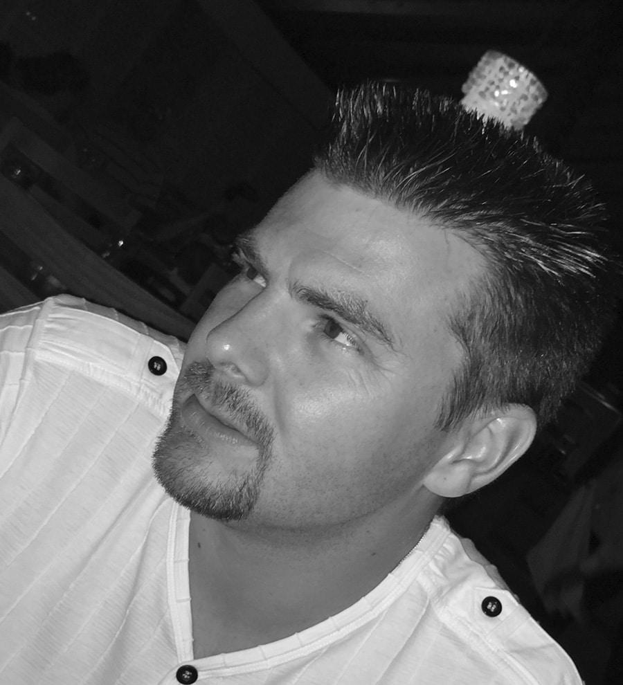 Agence Twogether - maxime ellis noir et blanc
